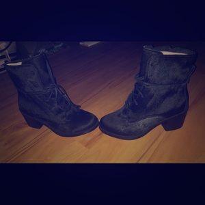 Brand new oriana exotic UGG heel/boots